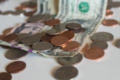 Moedas de um centavo e centavos Fotografia de Stock