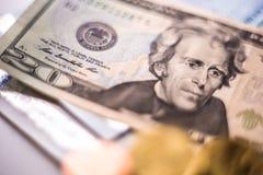 Moedas do dinheiro do dólar americano do Euro Imagens de Stock