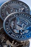 Moedas do meio dólar dos E.U. Fotos de Stock Royalty Free