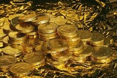 Moedas douradas do chocolate Fotografia de Stock