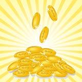Moedas douradas no fundo ensolarado Imagens de Stock Royalty Free