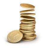 Moedas douradas que caem na pilha no branco Fotografia de Stock Royalty Free