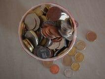 Moedas na moeda europeia foto de stock royalty free