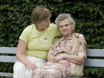 Moeder & dochter royalty-vrije stock afbeelding