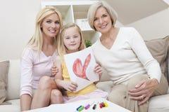 Moeder, Dochter, de Generaties van de Grootmoeder thuis Stock Foto