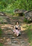 Moeder en baby in het park Royalty-vrije Stock Fotografie