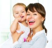 Moeder en baby thuis Royalty-vrije Stock Fotografie
