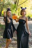 Moeder en dochter in de stijl van Halloween Royalty-vrije Stock Foto