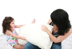 Moeder en dochter die pret hebben Stock Foto