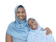 Moeder en dochter glimlachen, geïsoleerde moederliefde en tederheid, royalty-vrije stock foto's
