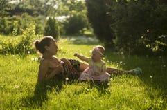 Moeder en Dochter III Stock Foto's
