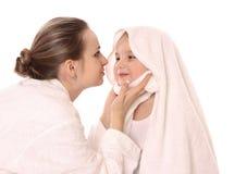 Moeder en haar kind stock afbeelding