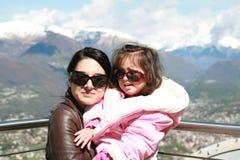 Moeder en haar weinig dochter Stock Foto