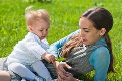 Moeder en jonge dochter Royalty-vrije Stock Foto