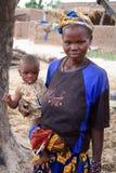 Moeder en kind in Afrika Stock Foto's