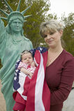 Moeder en pasgeboren baby Royalty-vrije Stock Foto's