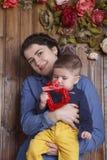 Moeder en weinig zoon Stock Foto