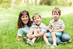 Moeder en zonen Stock Fotografie