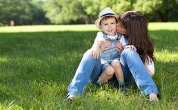 moeder en zoon Stock Foto