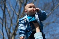 Moeder gelukkig om baby in handen te houden Royalty-vrije Stock Afbeelding