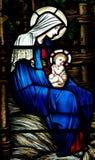 Moeder Mary met baby Jesus (Geboorte van Christus) in gebrandschilderd glas Royalty-vrije Stock Fotografie