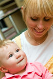 Moeder met babyjongen royalty-vrije stock afbeeldingen