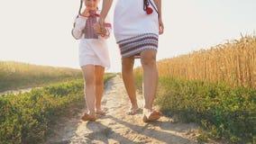 Moeder met dochter stock footage
