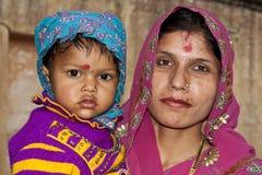 Moeder met haar kind Royalty-vrije Stock Foto's