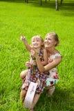 Moeder met haar kind het lachen Stock Foto