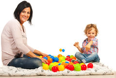 Moeder met haar zoon het spelen Stock Foto's