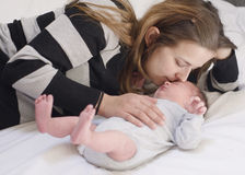 Moeder met pasgeboren baby Royalty-vrije Stock Afbeelding