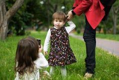 Moeder met twee kinderen Royalty-vrije Stock Afbeeldingen
