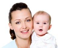 Moeder met zoet pasgeboren kind Royalty-vrije Stock Fotografie