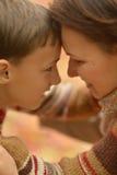 Moeder met zoon Stock Foto