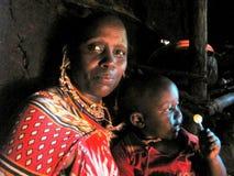 Moeder met zoon van de mensen van Watussi Stock Fotografie