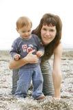 Moeder met zoonsportret stock foto