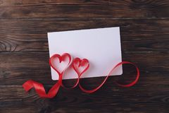 Moeder` s Dag, Vrouwen` s Dag, Huwelijksdag, Gelukkige st Valentijnskaartendag, 14 Februari-concept Uitstekende liefdesymbolen, r Stock Fotografie