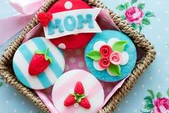 Moederdag cupcakes stock foto's