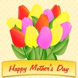Moederdaggroeten met groot kleurrijk boeket van tulpen Stock Foto's