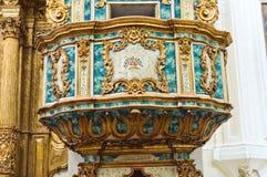 Moederkerk van St. Pietro. Putignano. Puglia. Italië. stock foto's