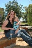 Moeders en Kinderen Stock Afbeeldingen