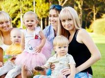 Moeders met babys stock afbeelding