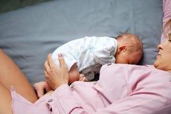 Moederschap en het de borst geven royalty-vrije stock foto