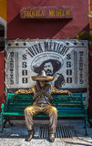 Moedige Mexicaanse mens in traditioneel kostuum, Mexico Stock Afbeelding