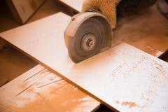 Moedor do disco no trabalho imagens de stock