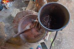 Moedor do feijão de café fotografia de stock