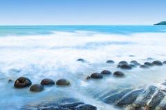 moeraki новый Тихий океан zealand свободного полета валунов Стоковые Фото