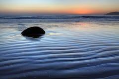 moeraki новый Тихий океан zealand свободного полета валунов Стоковое Фото