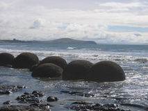 Moeraki Fluss-Steine Stockbild