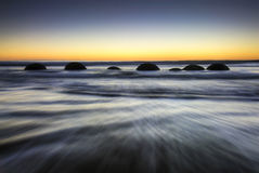 Moeraki Flusssteine, Neuseeland Lizenzfreie Stockbilder